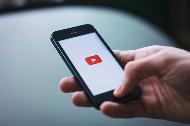 auto-play video mobile